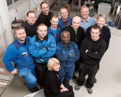 Et bilde av noen av de ansatte på Nergård Sten (ikke alle)